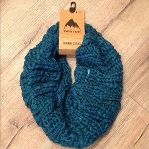 New tags BURtON cowl knitted scape so pretty
